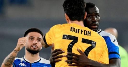 Man Utd ra đề nghị 'không thể chối từ' dành cho Koulibaly
