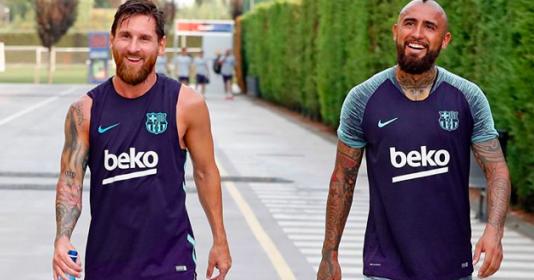 Lionel Messi gửi lời chào tạm biệt đến Arturo Vidal   Bóng Đá