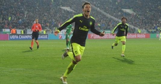 Mesut Oezil yêu Arsenal từ cái nhìn đầu tiên   Bóng Đá