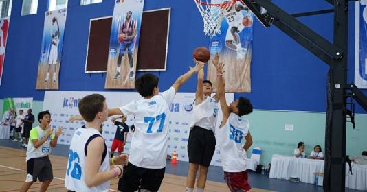 """Vượt qua 5000 ứng viên, 16 tài năng bóng rổ nhí """"vươn ra biển lớn"""""""