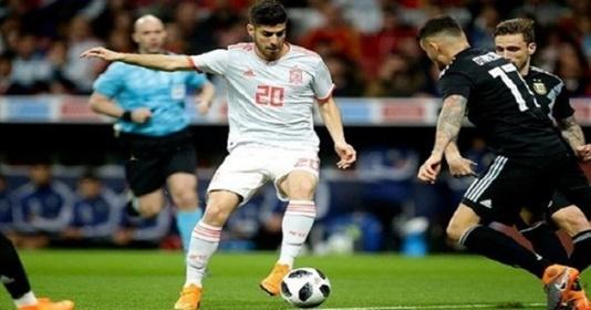 """Zidane: """"Ngoài Messi, tôi chưa thấy ai có cái chân trái dị như cậu ấy"""""""