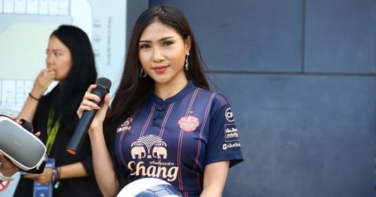 Hot girl Thái hâm nóng bầu không khí trận tranh hạng 3 King's Cup | Bóng Đá