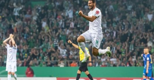 """Ấn tượng! """"Cận vệ già"""" của Bundesliga tiếp tục sắm vai kỷ lục gia"""
