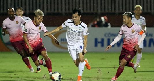 """Vì sao hơn một nửa ĐT Việt Nam chạy trốn """"lưỡi hái tử thần"""" tại V-League?"""