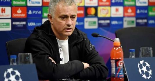 """SỐC! """"Bộ não sáng tạo"""" của Mourinho không thể chọc khe thành công từ tháng 3"""