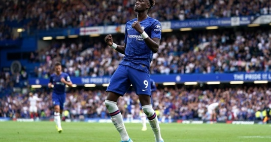 Abraham được Drogba khen khi ghi bàn đầu tiên cho ĐT Anh | Bóng Đá