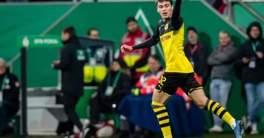 """""""Pulisic mới"""" của Dortmund làm nên lịch sử, cả Haaland cũng bị lu mờ"""