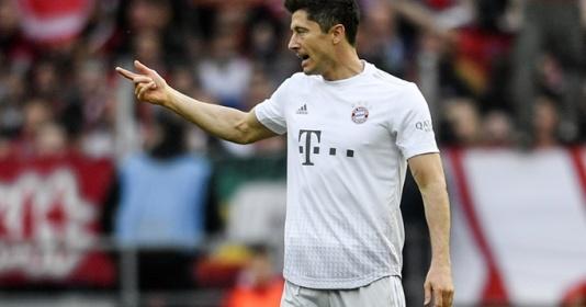 """Tiếp tục nổ súng, Lewandowski san bằng kỷ lục của """"vua dội bom"""" Muller"""