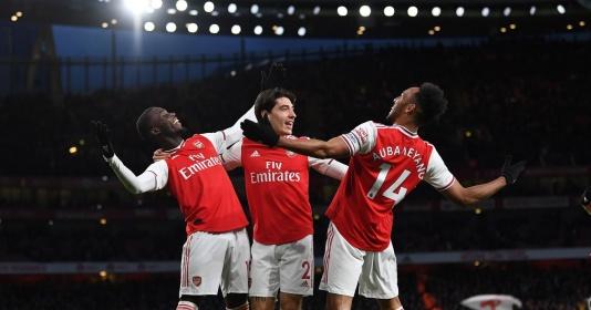 10 hình ảnh ấn tượng vòng 27 EPL: Emirates mở hội; Quỷ đỏ thăng hoa | Bóng Đá