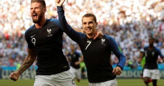 Griezmann phản pháo màn so sánh khập khiễng của Benzema với Giroud