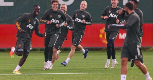 """""""Quái thú"""" và nhân tố mới xuất hiện trên sân tập, chờ Man Utd thay đổi diện mạo"""