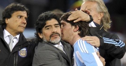 Sự thật về mối quan hệ giữa Messi và Maradona | Bóng Đá