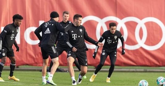 Ảnh Bayern Munich tập luyện trước thời điểm đấu Stuttgart | Bóng Đá