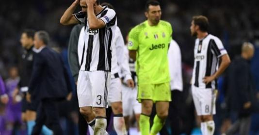 Juventus và cái chết trên chính niềm kiêu hãnh | Bóng Đá