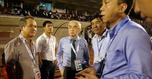 Bầu Đức vung tiền cổ vũ cho U22 Việt Nam tại SEA Games 29