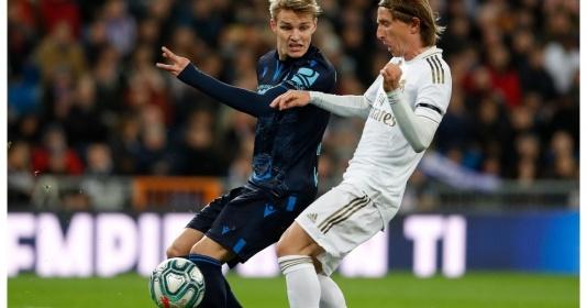 """Vì Modric, Zidane tiếp tục """"cầm chân"""" nhạc trưởng tương lai"""