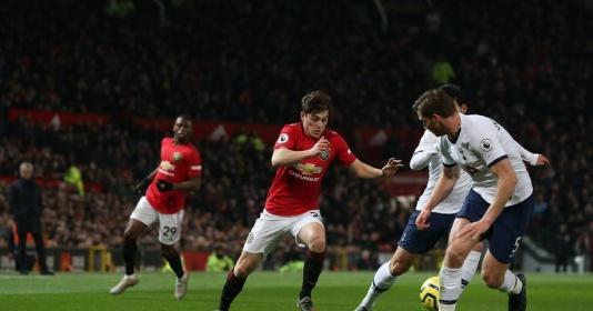 Man Utd đã sẵn có một tiền vệ phải chất lượng không ai ngờ đến | Bóng Đá