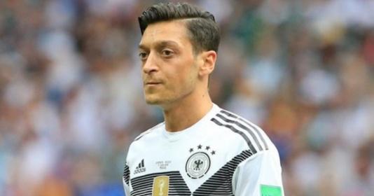 """Wenger: """"Tôi không thích Ozil giã từ tuyển Đức"""""""