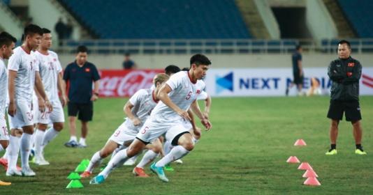 ĐT Việt Nam làm quen sân Mỹ Đình, sẵn sàng quyết đấu với ĐT UAE | Bóng Đá