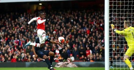 Nketiah và Saka làm điều Arsenal không thể làm từ năm...