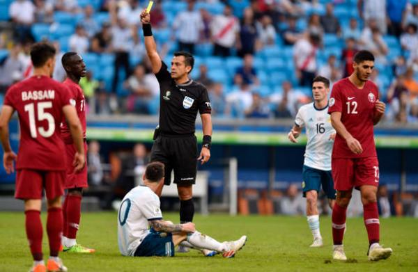 5 điểm nhấn Qatar 0-2 Argentina: Quyết định táo bạo, hy sinh Messi  - Bóng Đá