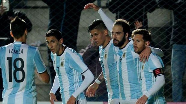 Gonzalo Higuain | Argentina | 60 triệu euro | Napoli. Ảnh: Internet.