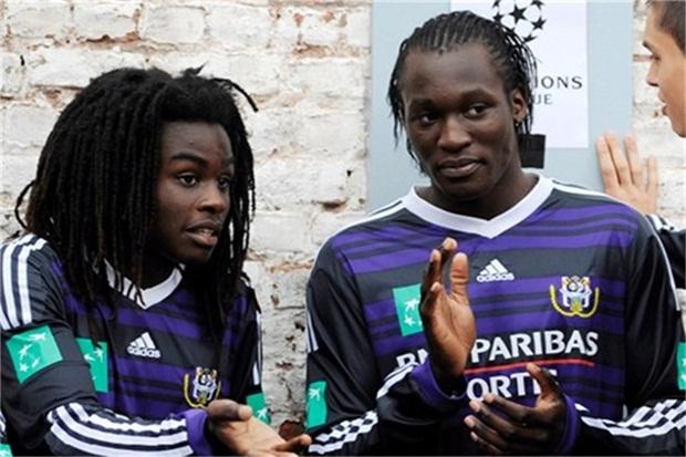 Hai anh em Lukaku khi còn ở Anderlecht. Ảnh: Internet.