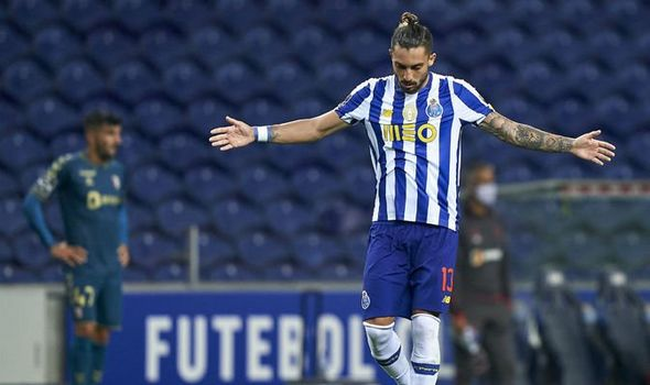 Alex Telles drops hint he could be on the way to Old Trafford - Bóng Đá