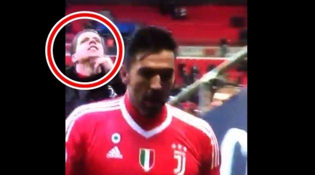 Trả thù cho Arsenal, thủ môn Szczesny chọc tức CĐV Tottenham - Bóng Đá
