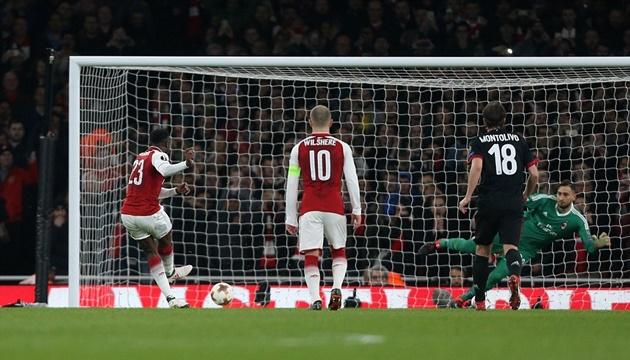 Thần tài Welbeck tỏa sáng, Arsenal chật vật vượt ải AC Milan - Bóng Đá