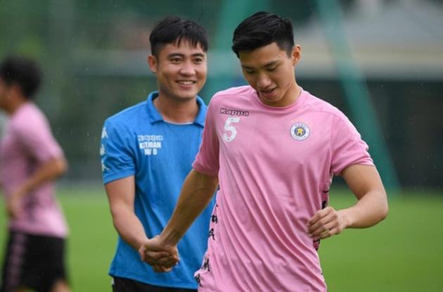 Truoctrandau đưa tin: V-League sắp trở lại, Hà Nội FC đón tin dữ