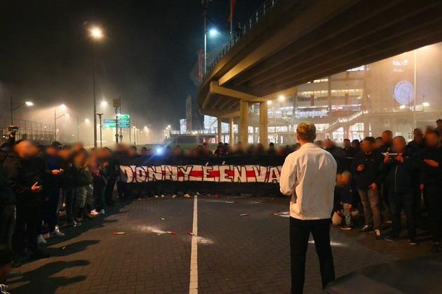 Supporters Ajax say goodbye to Van de Beek after the Netherlands - Italy - Bóng Đá