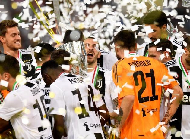 5 điểm nhấn Juventus 1-0 AC Milan: Ronaldo quá son, Higuain quá đen - Bóng Đá