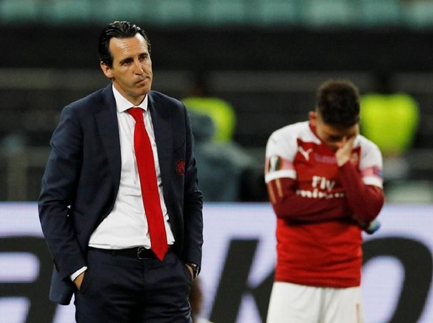 Unai Emery đang thờ ơ với hàng thủ của Arsenal.