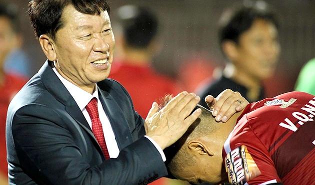 """HLV Chung Hae-seong: """"TP.HCM không chỉ là đội bóng, chúng tôi là 1 gia đình"""""""