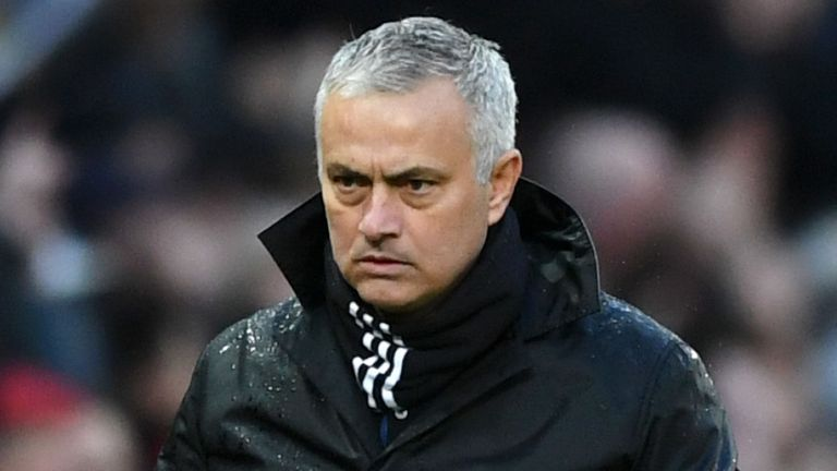 Mourinho nói lời gì cuối cùng trước khi bị Man Utd sa thải?