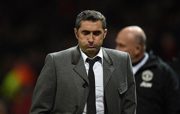 Thắng nhọc, HLV Barca chỉ ra 2 điểm mạnh nhất của Man Utd