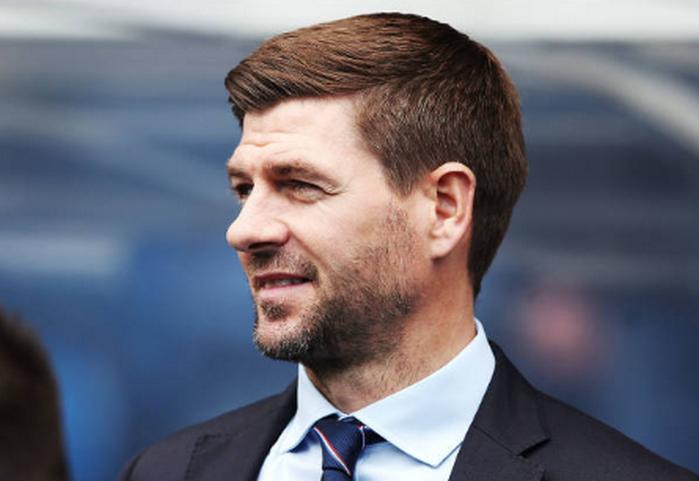 CHOÁNG! Cựu HLV Chelsea, Tottenham thảm bại dưới tay Gerrard