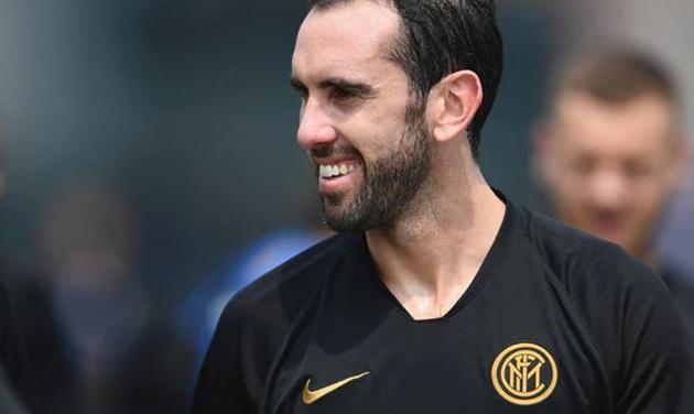 Cựu sao Atletico Madrid chính thức tập luyện cùng CLB mới