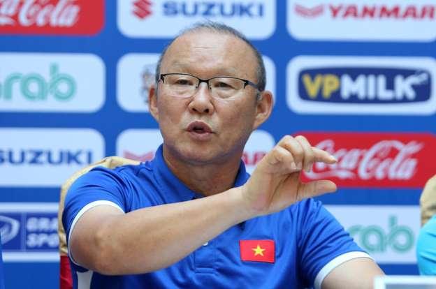 """Vòng loại World Cup 2022: Thầy Park - chuyên gia giải quyết """"kèo khó"""" cho bóng đá Việt Nam"""
