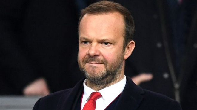 Man Utd gia hạn với De Gea, Ed Woodward bị mắng thẳng mặt là 'tên lười nhác'