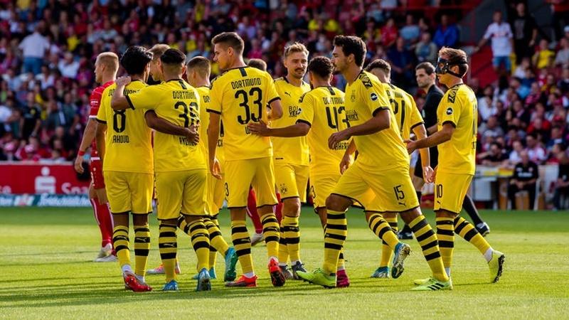 Giao hữu từ thiện: Dortmund đè bẹp Cottbus 5 bàn không gỡ
