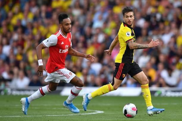 Tâm lý yếu kém, Arsenal 'suýt chết' rời Vicarage Road