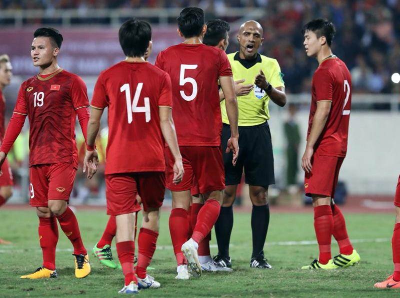 Hòa Thái Lan, Việt Nam bộc lộ nhiều điểm yếu hơn khi thắng UAE