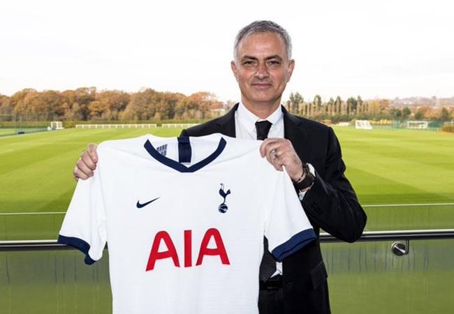 Mourinho tới Tottenham, fan Man Utd đồng loạt 'gọi hồn' 1 người