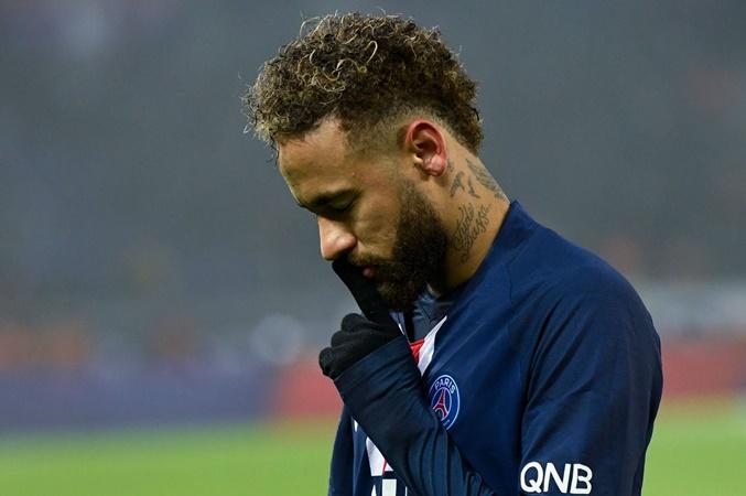 Ăn mừng thể hiện chất ngông gây bão, Neymar lên tiếng giải mã