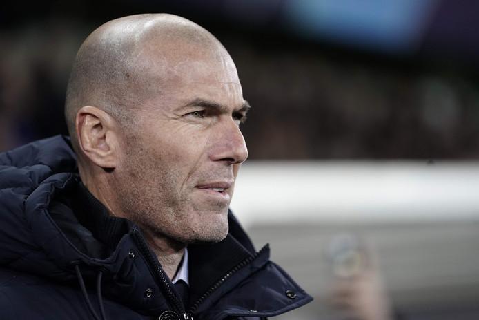 Tuyệt vời! 'Phát kiến mới' của Zidane đang giúp Real bay cao