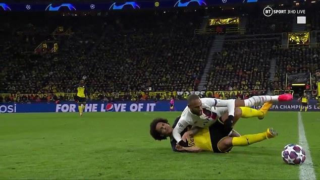 SỐC! Cay cú, Neymar thúc cùi chỏ thẳng mặt Witsel và cái kết - xổ số ngày 30112019