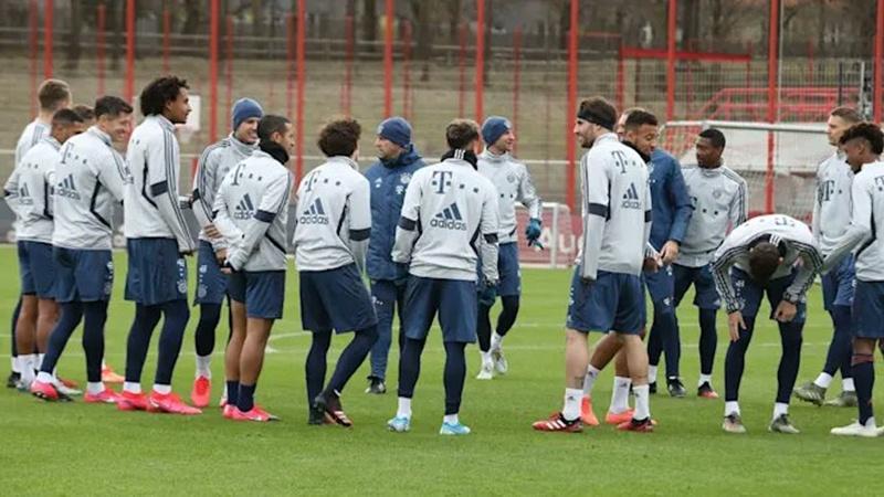 2 trụ cột đem tin mừng, Bayern đã sẵn sàng chiến Chelsea - xs thứ bảy
