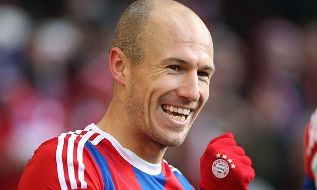 Nhiều cầu thủ chấn thương, Bayern thuyết phục Robben trở lại thi đấu